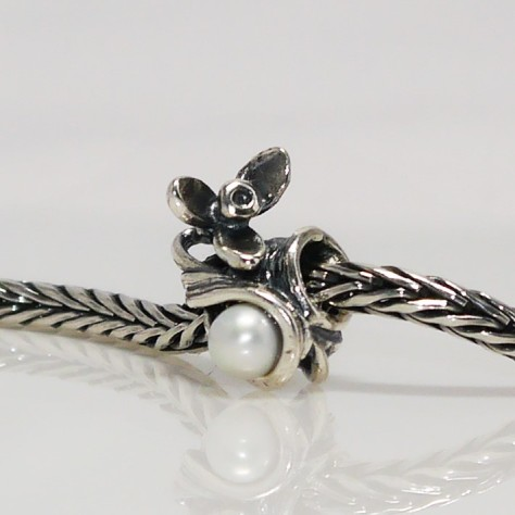 Trollbeads Snowdrop of January