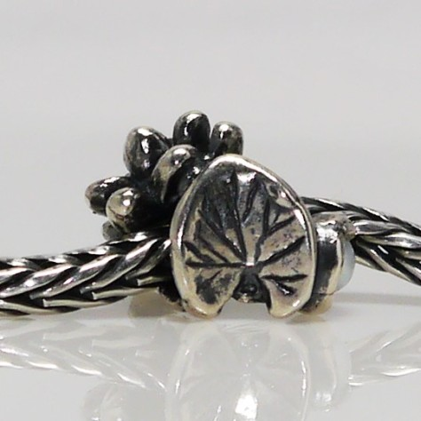Trollbeads Waterlillies of July